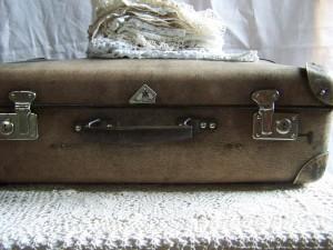 suitcase-79018_1280