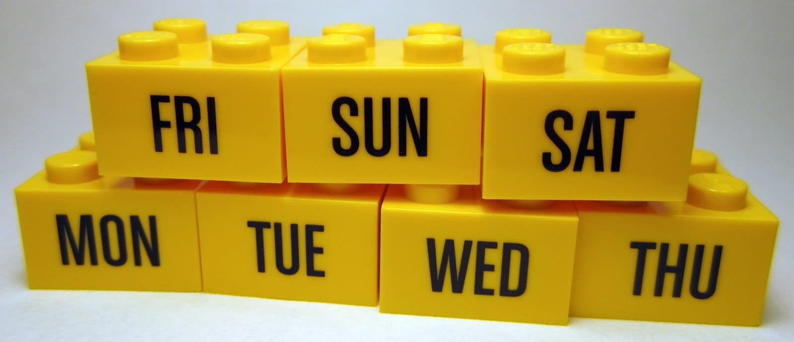 brick-calendar-days-of-the-week