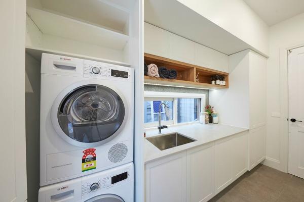 josh and elyse laundry