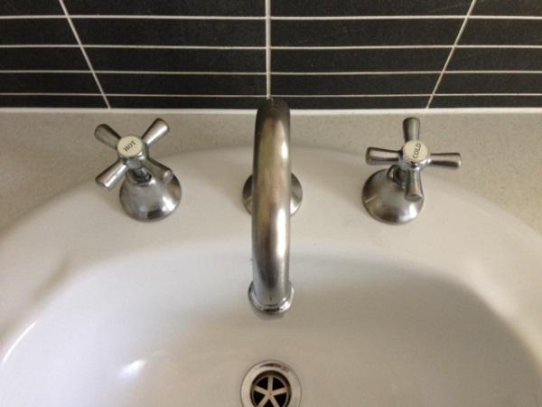 clean taps