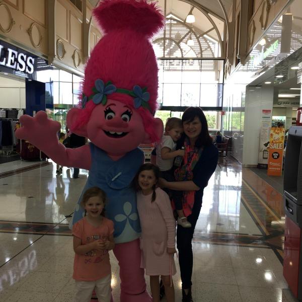 kids with poppy the troll