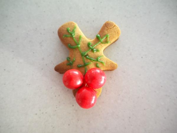 gingerbread holly wreath