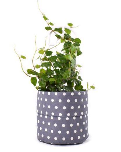 Rangy rang planter pouch
