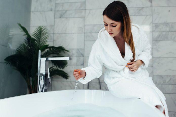 5 reasons to own a bathrobe