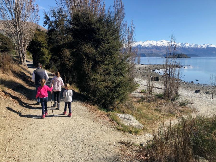 Lake Wanaka Walk - Wanaka for Families