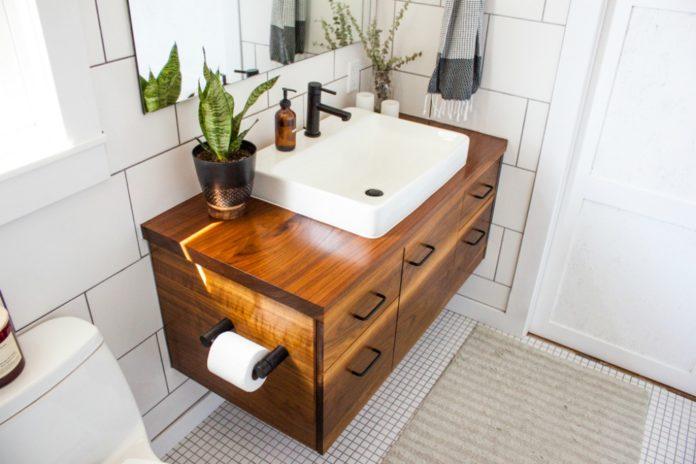 12 ways to update a rental bathroom