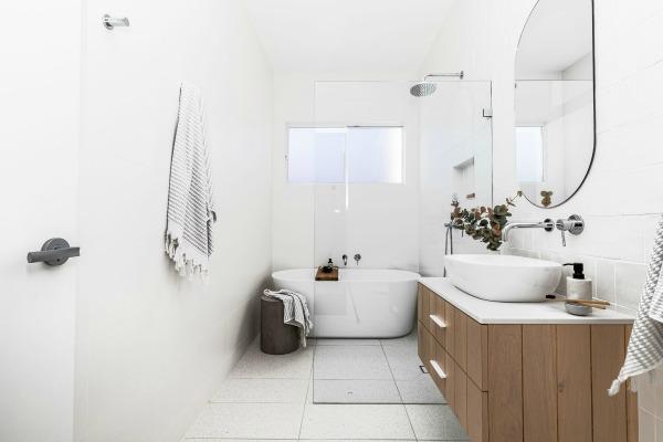Modern coastal bathroom ideas